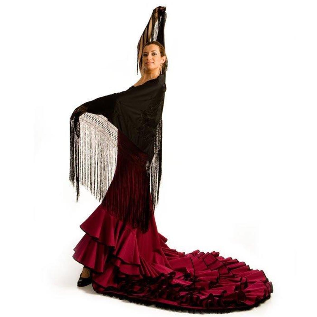 An off-the-peg bata de cola from Flamencista