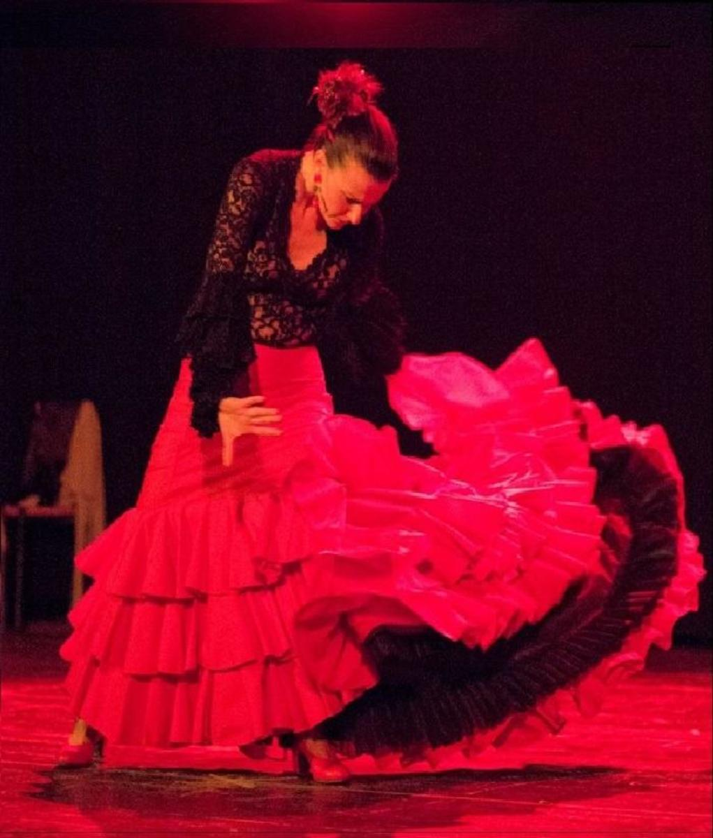 flamenco-bata-de-cola