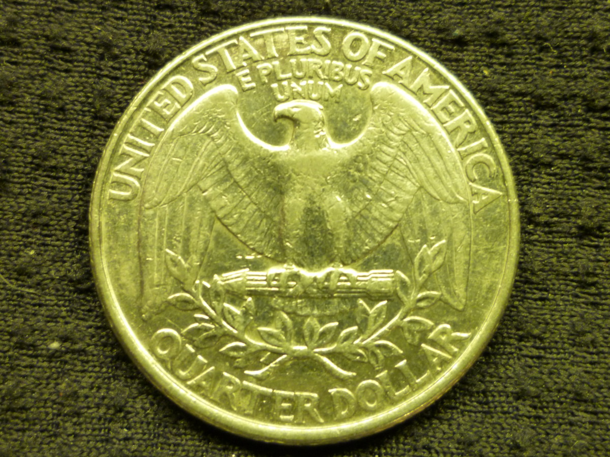 Regular Eagle Reverse. Used from 1932–1975 and 1977–1998.