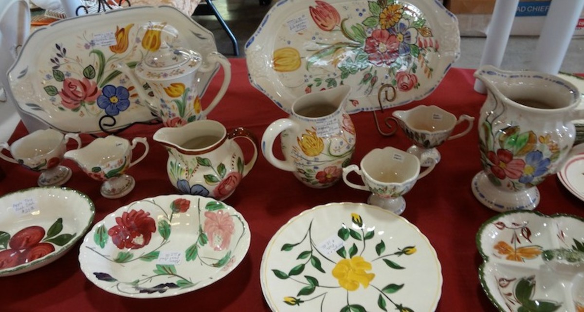 Display at Blue Ridge Collectors Club Show and Sale & Collecting Vintage Blue Ridge Pottery Dishes Made in Appalachia ...