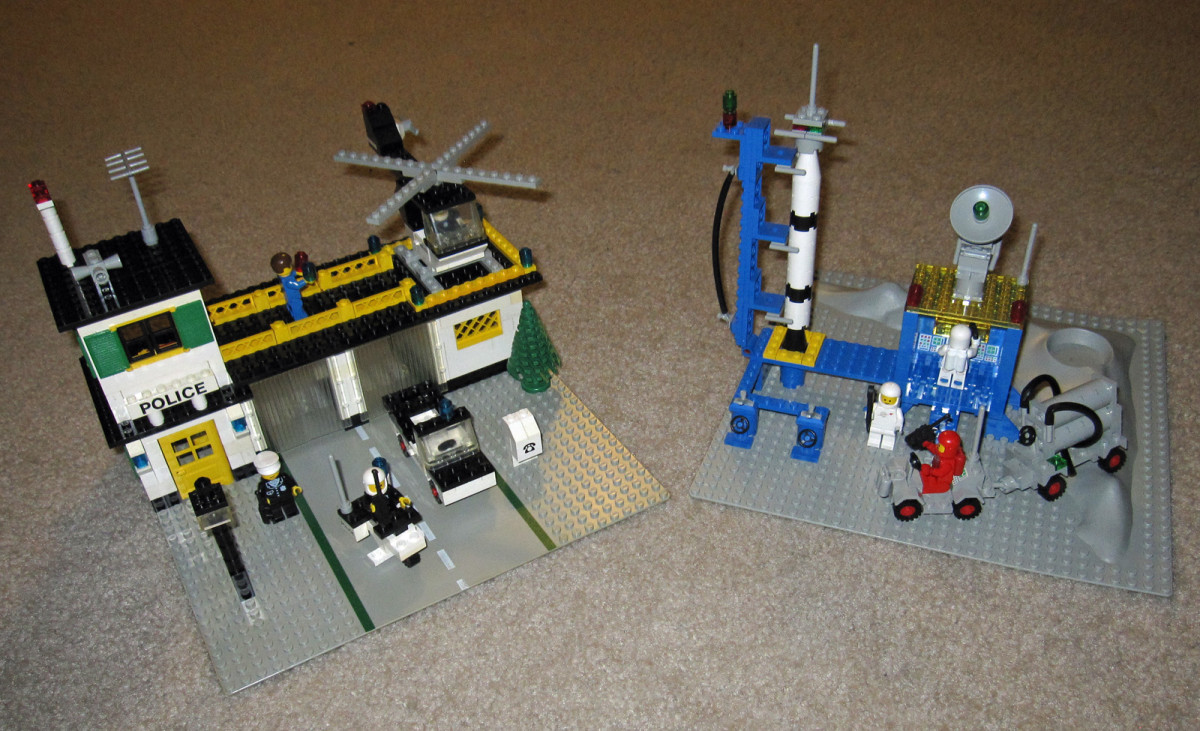 A vintage Lego town set and space set, released in 1978-1979.