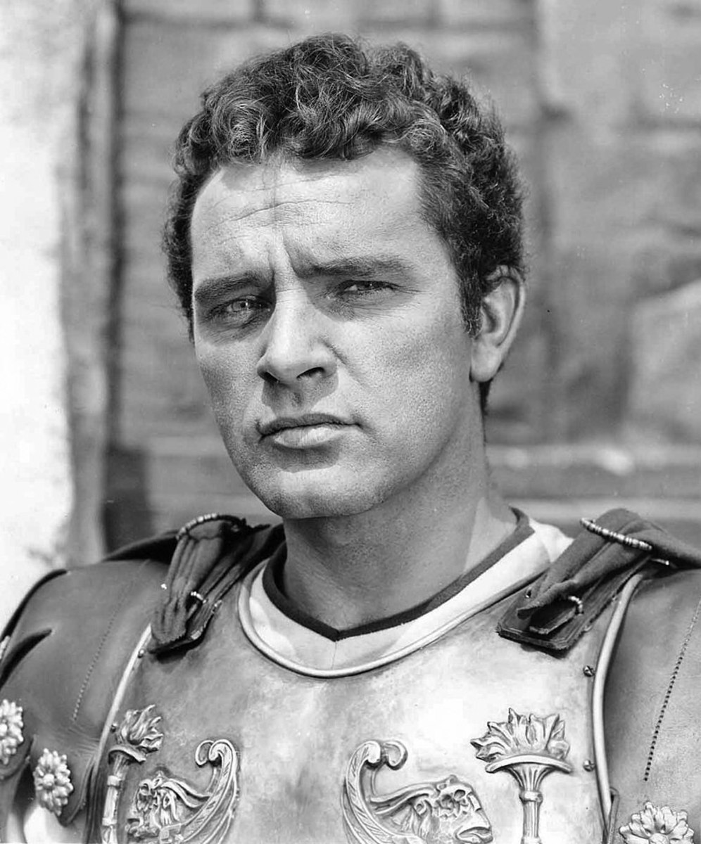 """Richard Burton as seen in the Film """"The Robe"""" (1955): Richard Burton is well-known for his impeccable diction."""