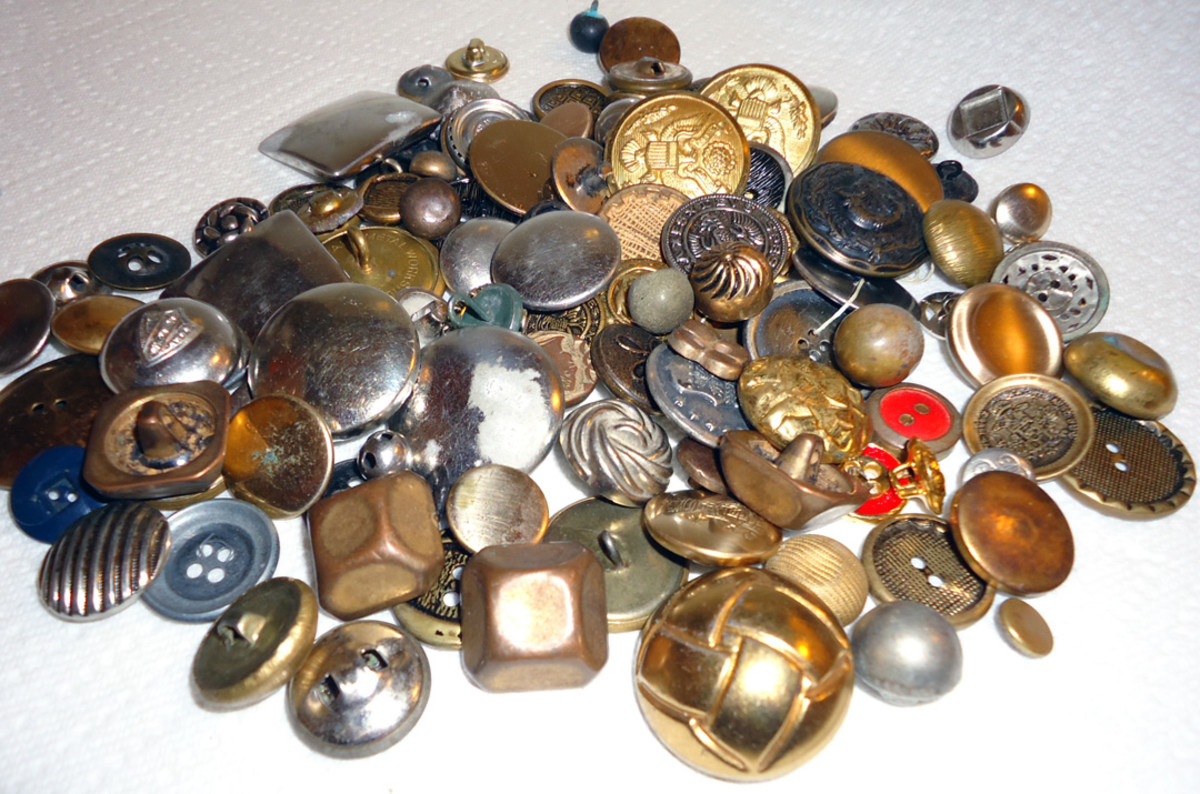 Vintage Button Guide: Ways to Identify Antique Buttons