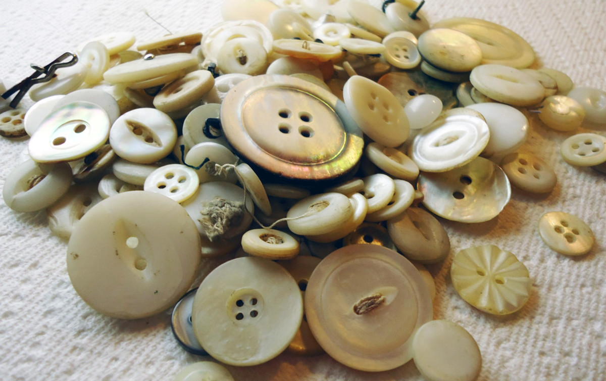 Antique Mother of Pearl Shell Buttons