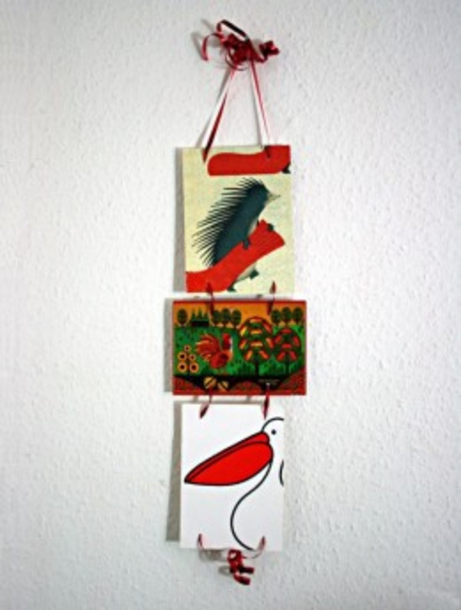 A display on ribbons (or it could be string)