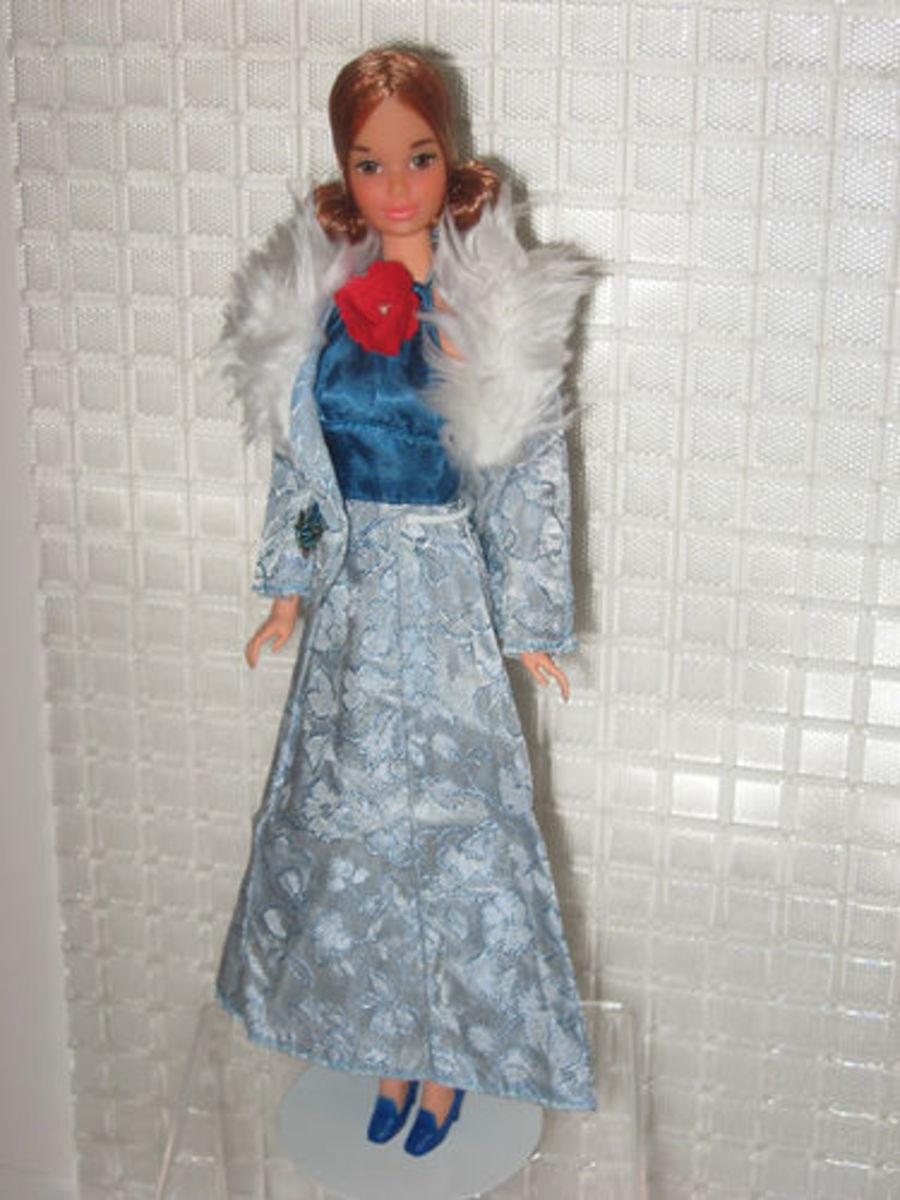 Kelly Doll wearing Barbie Get Ups 'N Go; #7840