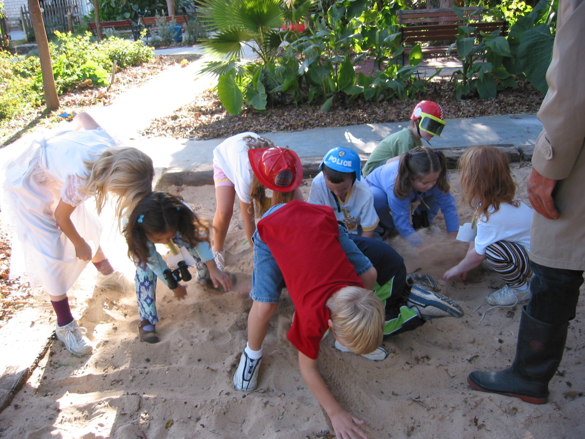 Treasure Hunt in Sand for toys
