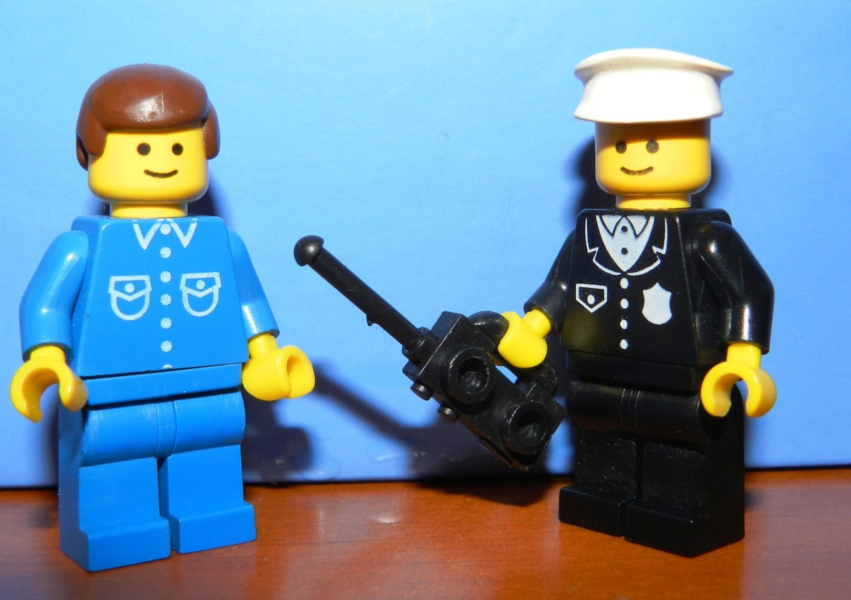 Classic Lego Minifigures: Policeman and Citizen.
