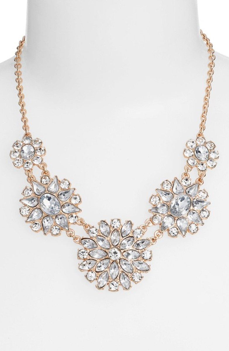 Pretty crystal flower statement necklace that you can wear with a solid colored dress to go out salsa dancing!