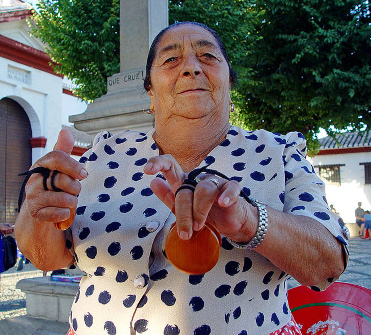 Castanets worn on the middle fingers