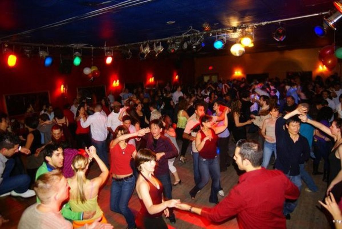 10-benefits-of-dancing-salsa-for-men-and-women-reasons-why-you-should-learn-how-to-dance-salsa