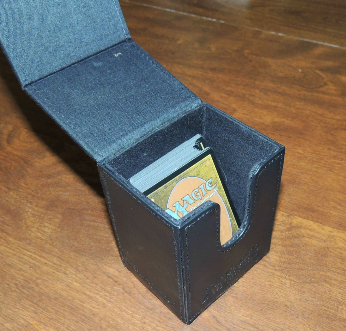 This deck box is solid and is the perfect solution for storing a deck of Magic: The Gathering Cards.