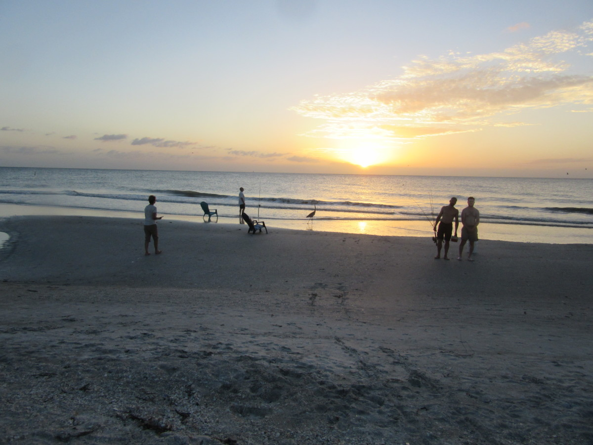 One o the best part of collecting Florida sea shells is enjoying the magnificent sunsets