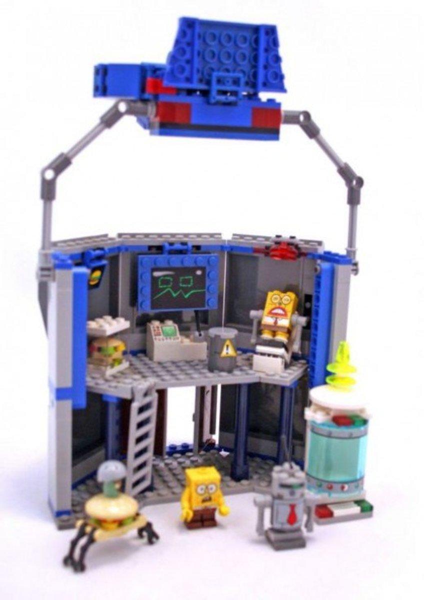 LEGO SpongeBob SquarePants Chum Bucket 4981 Assembled Back
