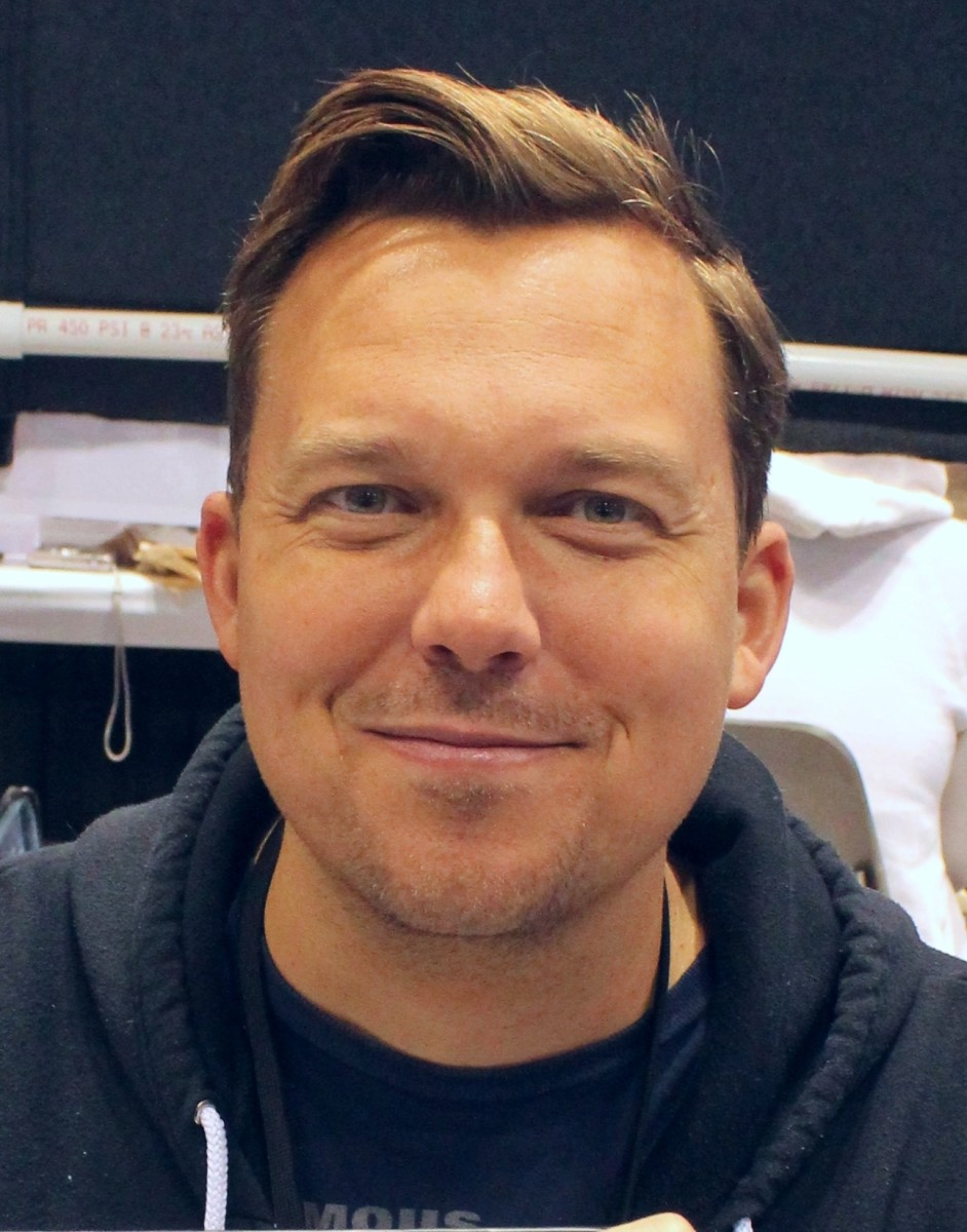 Remender at a convention on April 27, 2013