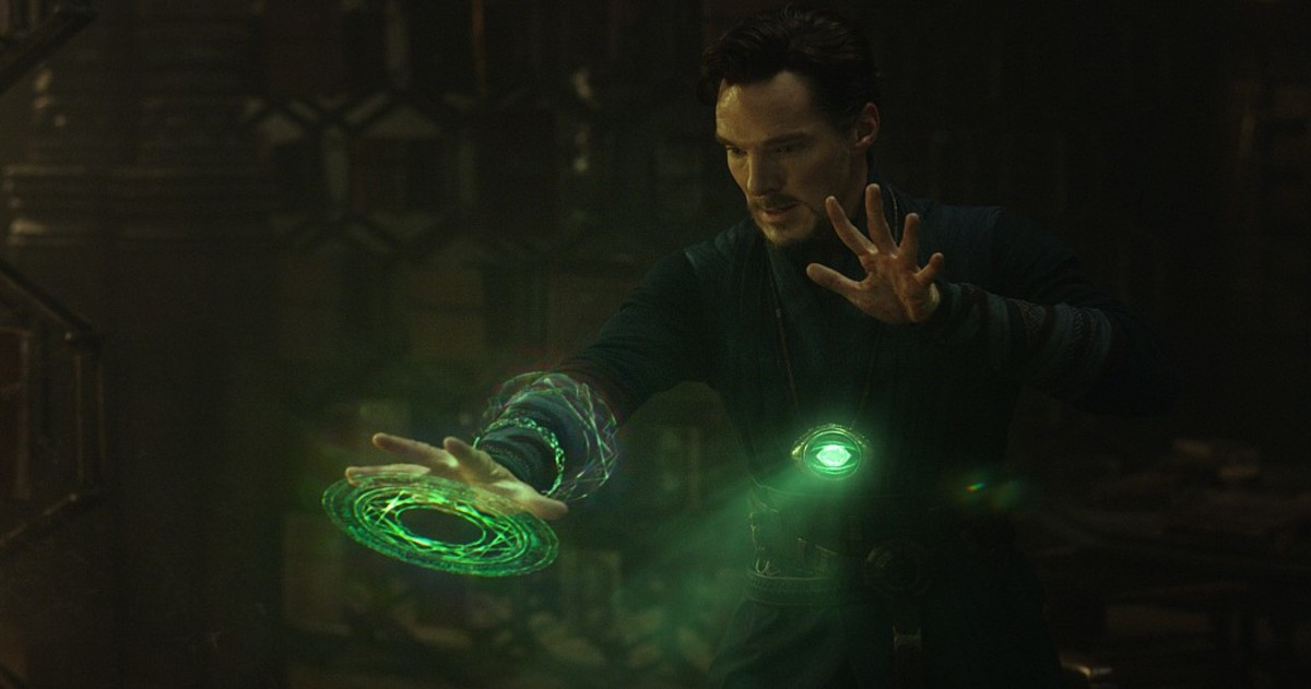Dr Strange with the powerful Eye of Agamotto in full blast