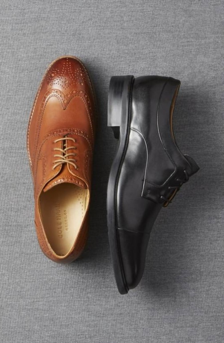 If you want to wear dress shoes, choose ones with a round/almond-shaped toe, with a thin sole, that lace up so you can move around easily without your shoes falling off your feet or being too bulky and getting in the way.
