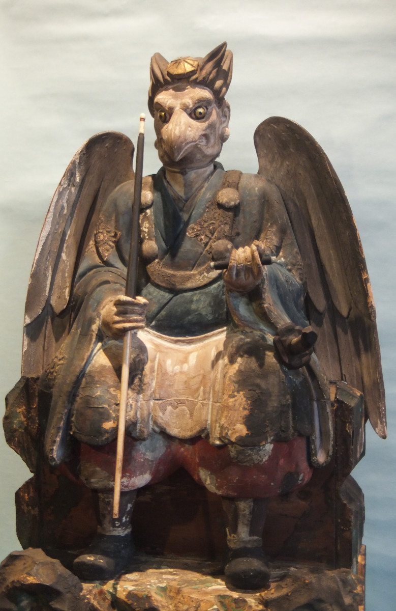 Crow-Tengu (Karasu-Tengu), late Edo period (28x25x58cm, private collection).