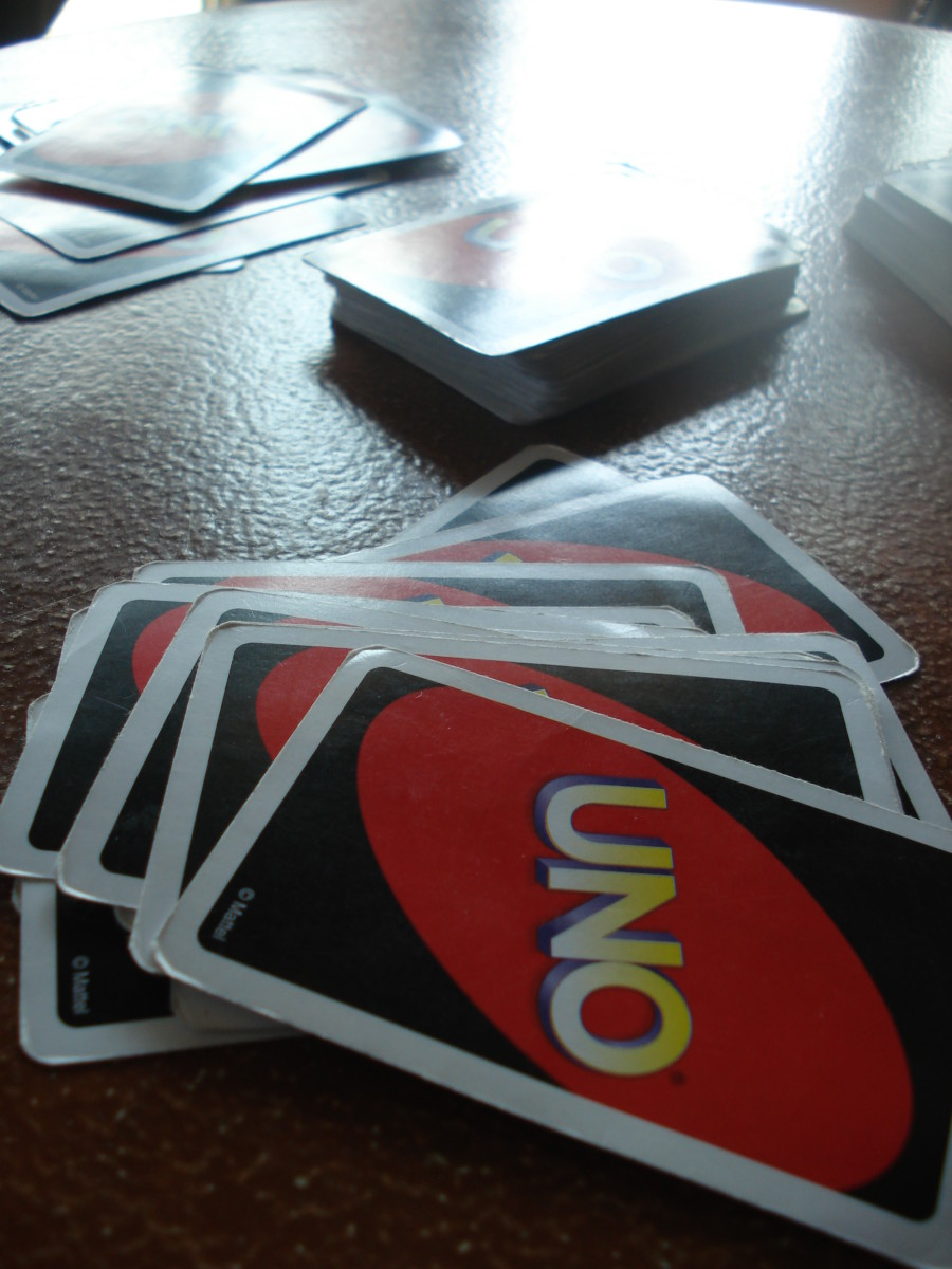 uno-cards-decks-and-details