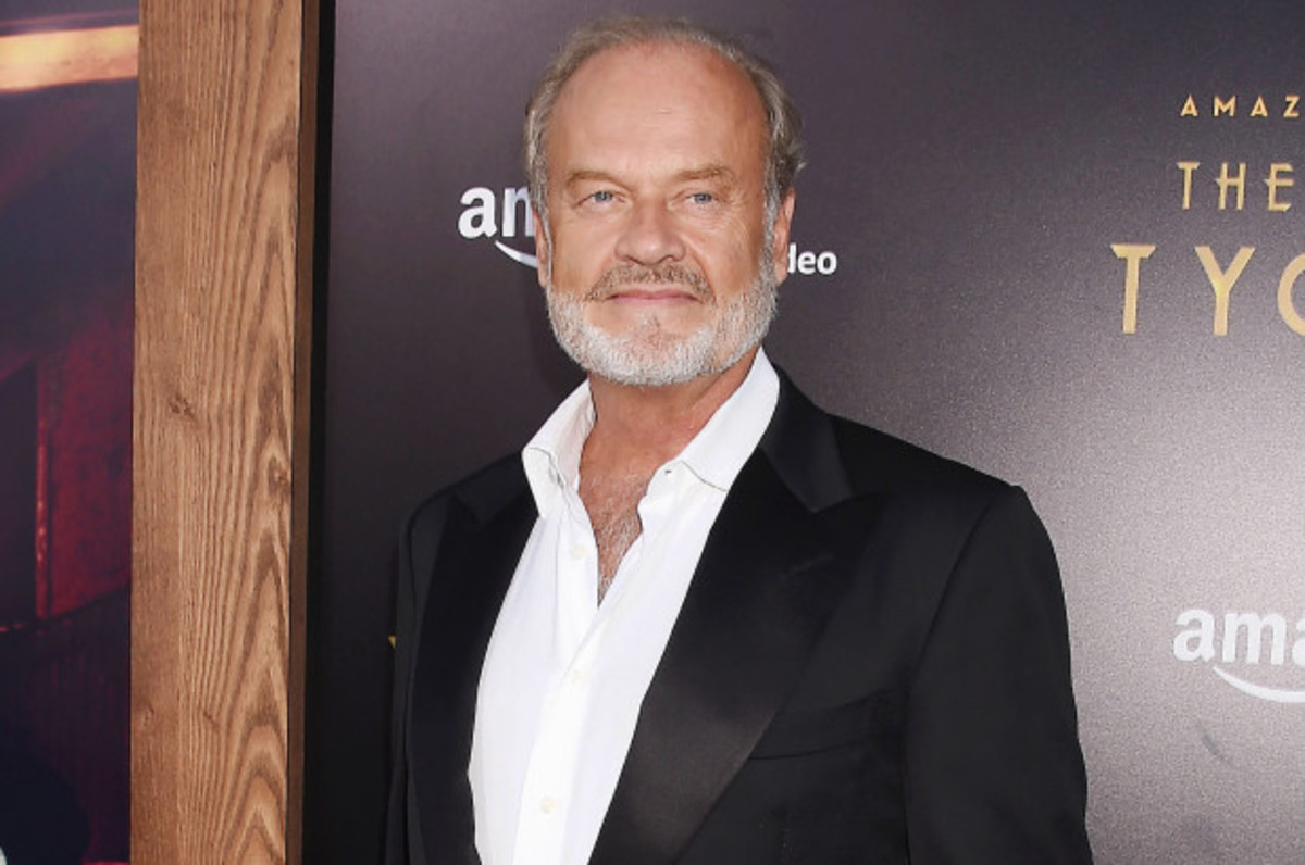 "In 2004, Kelsey Grammer (""Frasier"") won an Emmy for Outstanding Lead Actor in a Comedy Series."