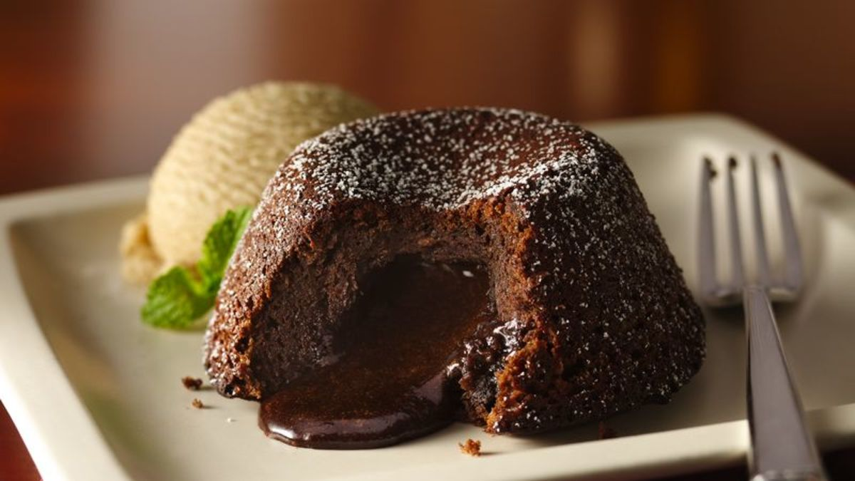 In 1994, molten chocolate cake was a real crowd-pleaser.