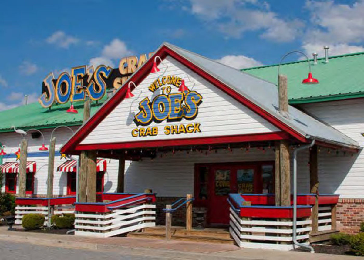 In 1991, Joe's Crab Shack—the beach-themed restaurant chain—was founded.