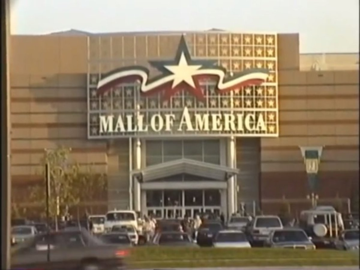 In 1992, the Mall of America opened its doors in Bloomington, Minnesota. With 330 stores and 10,000 employees, it was the largest shopping mall in the U.S.
