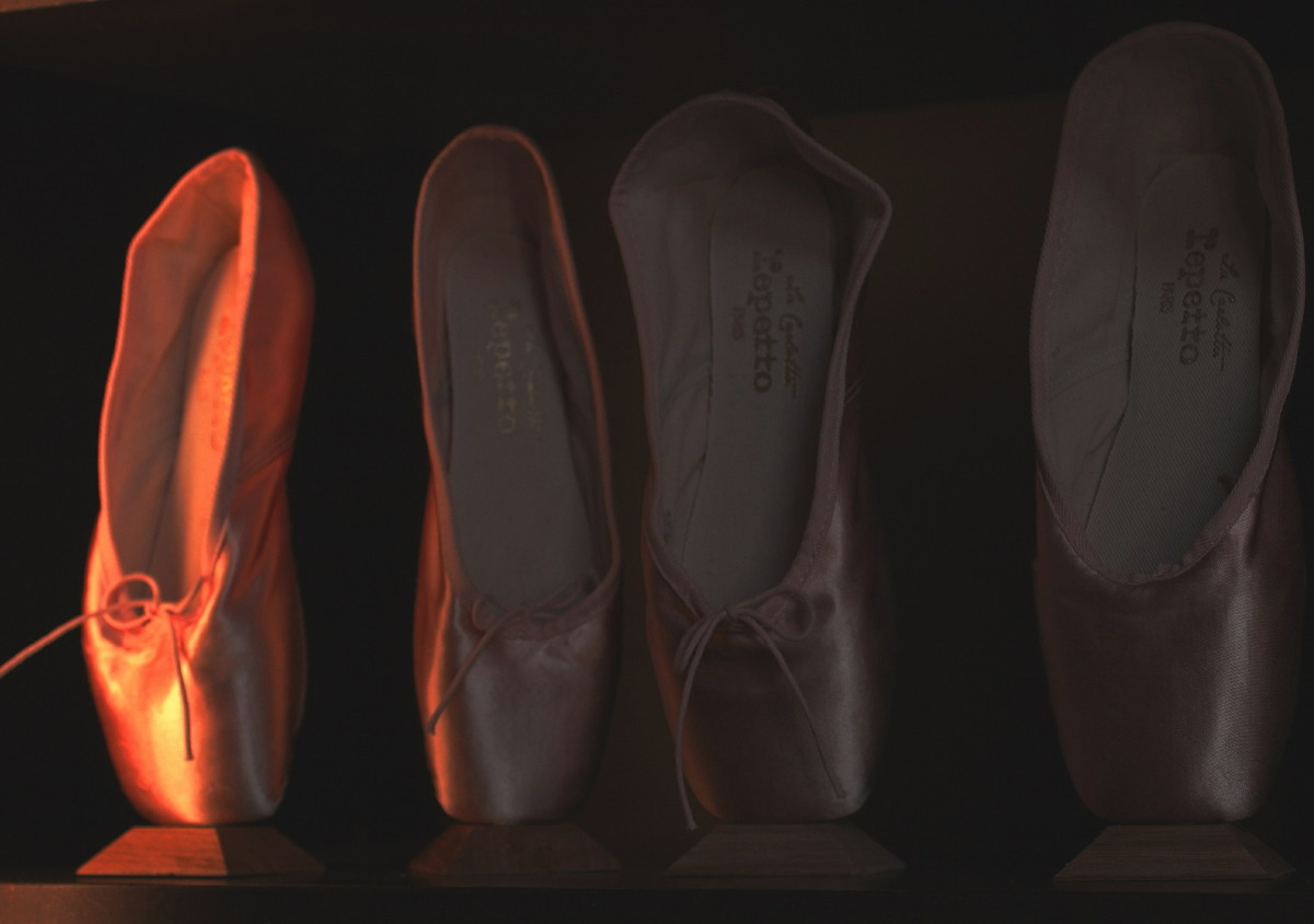 first-pointe-shoe-fitting
