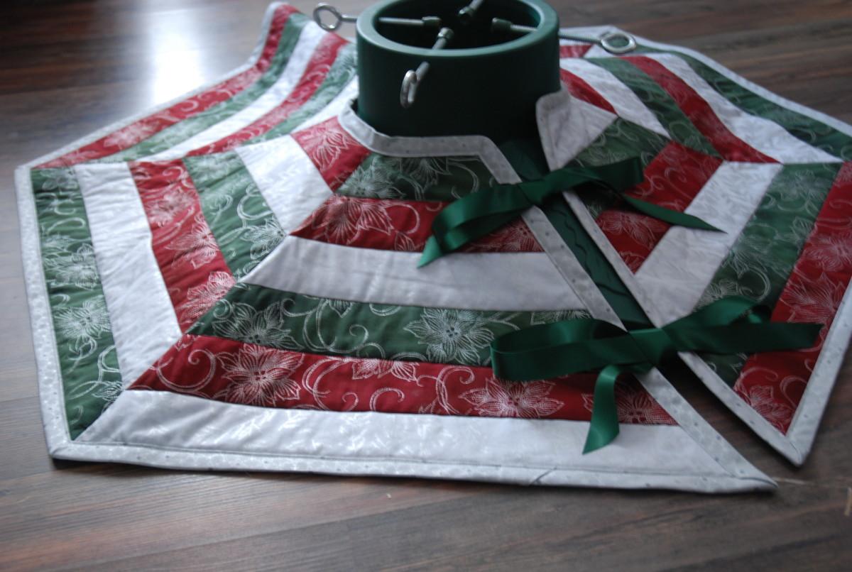 Beautiful hexagonal Christmas tree skirt