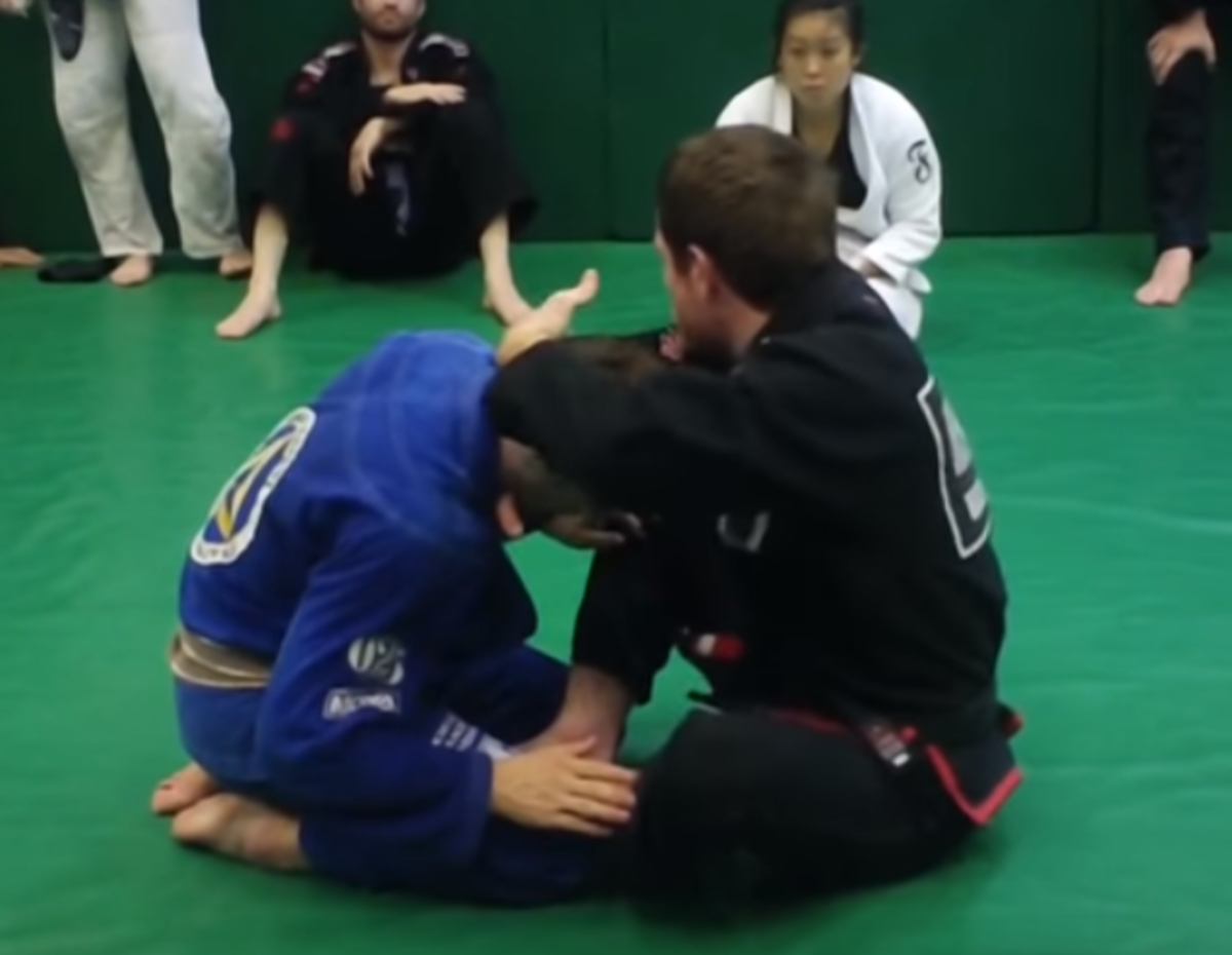 How to Do the Loop Choke in Brazilian Jiu-Jitsu