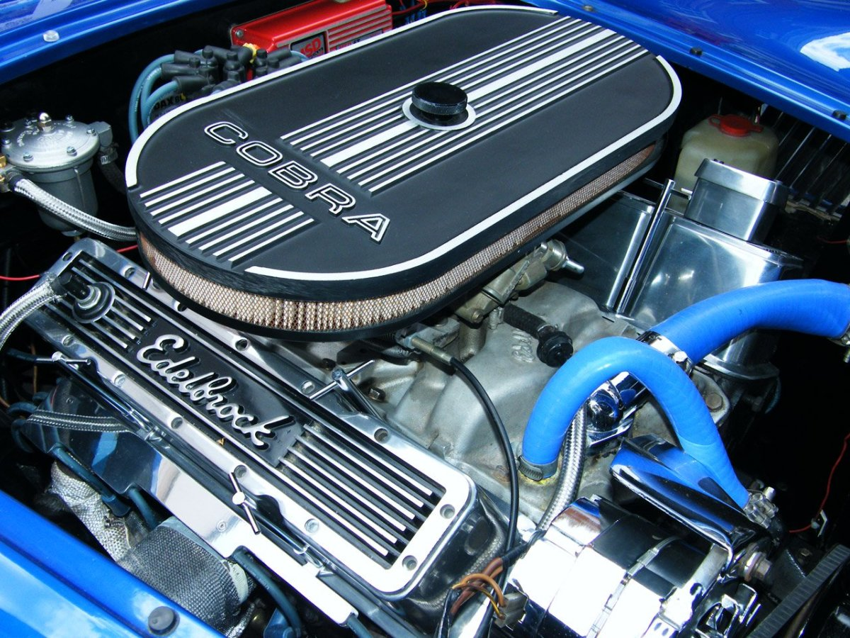 Why Does My Engine Start But Then Stop? | AxleAddict