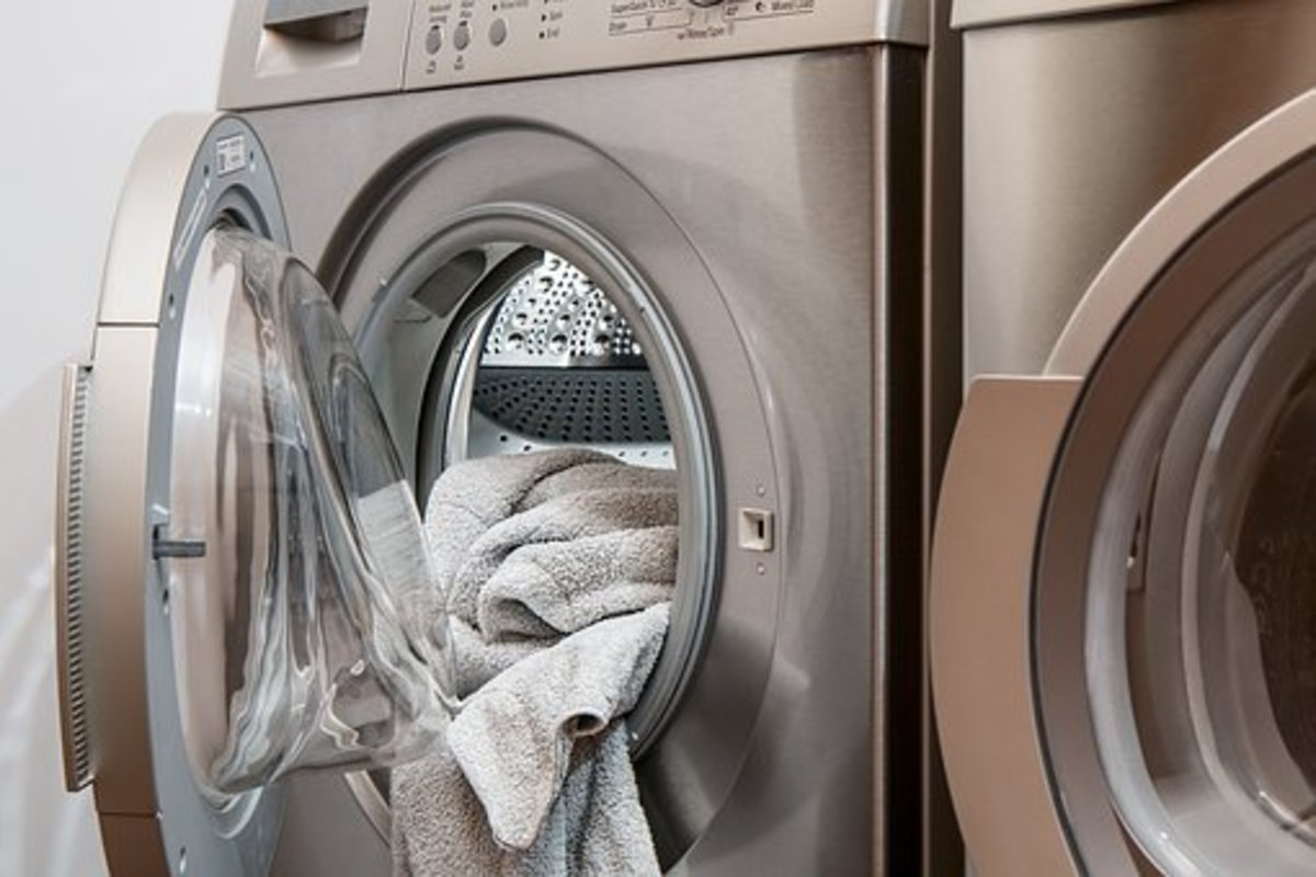 Washing machines are expensive, but if you buy them at the right time of year, you might be able to take advantage of discounted prices.