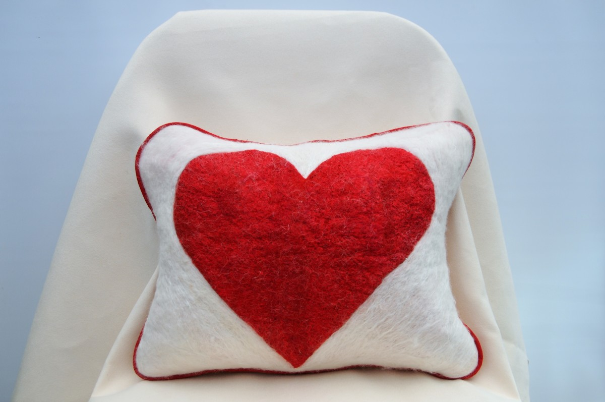 How to Mend a 'Broken' Heart for Valentine's Day: Wet Felted Cushion