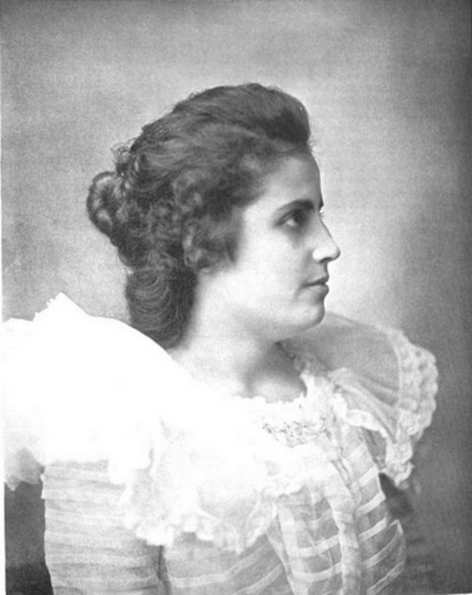 Evangelina Cisneros.