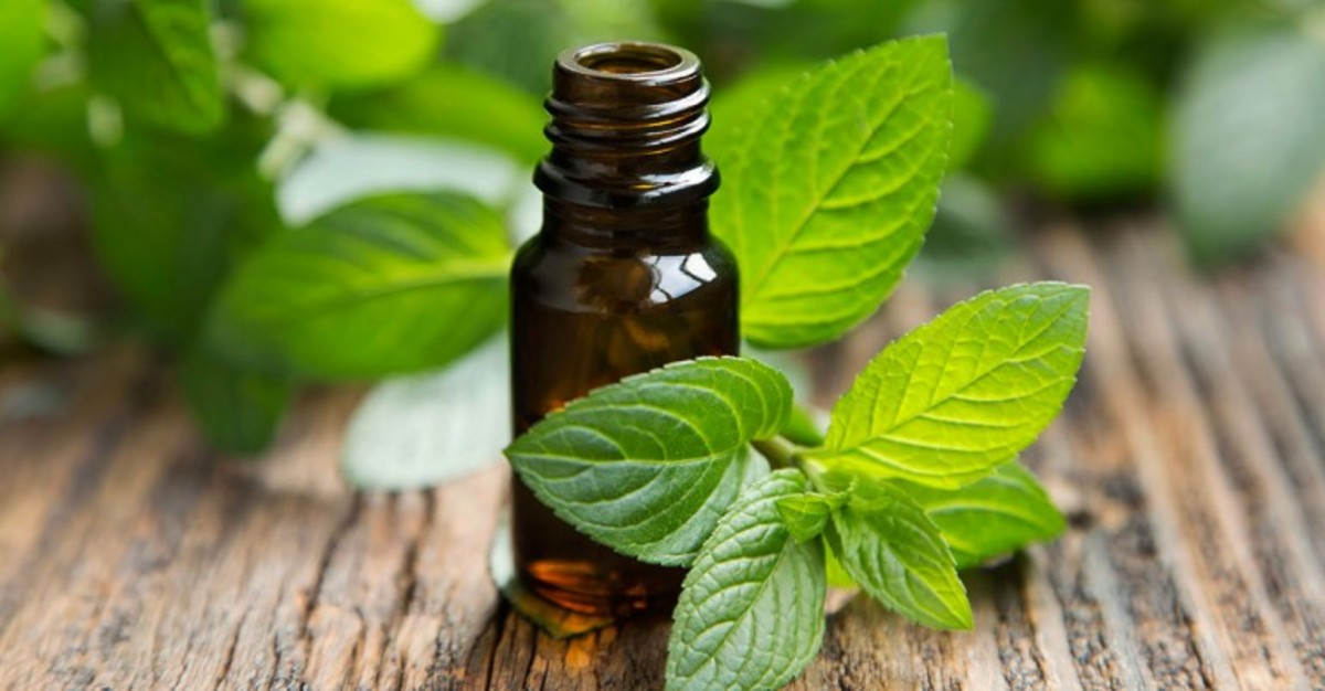 Use Peppermint oil at home or on the go