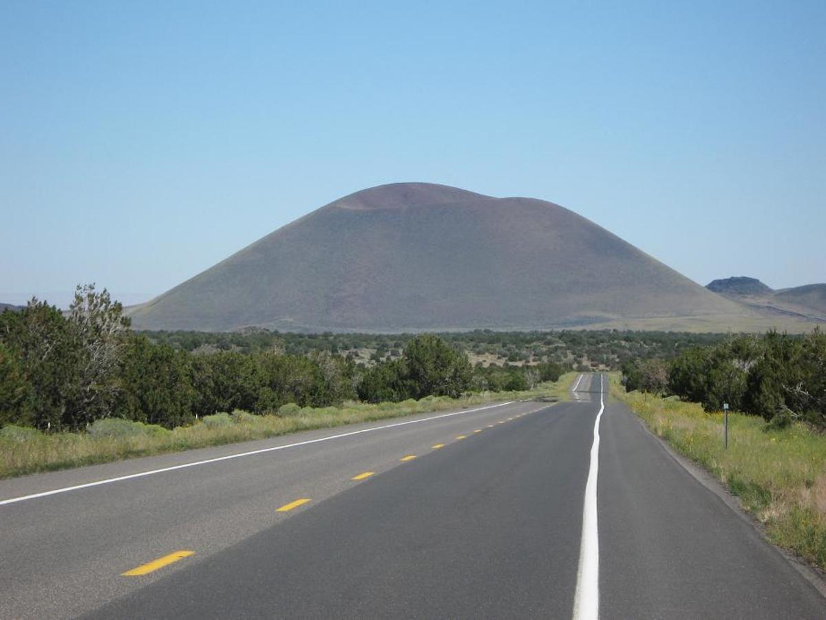 Hiking up Merriam Crater in Northern Arizona