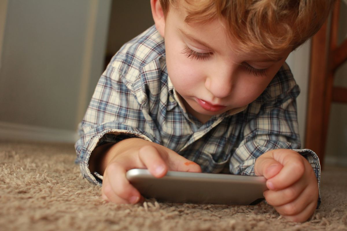 the negative effects of technology on children
