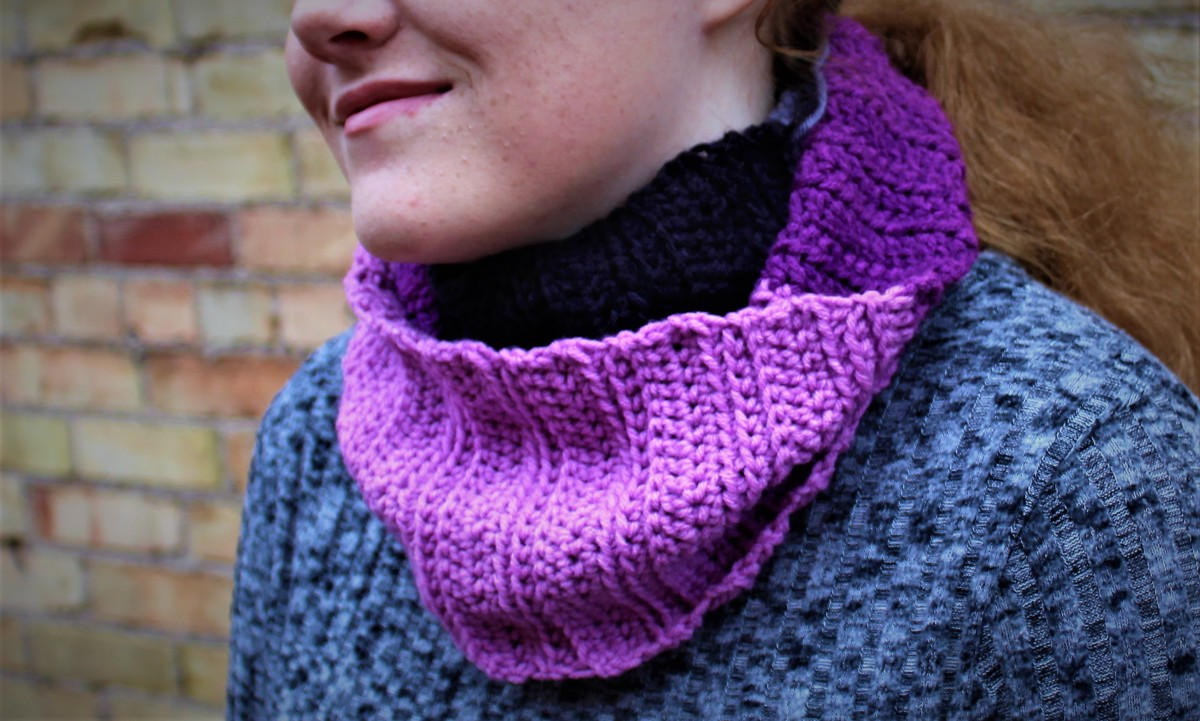 Ribbed Infinity Scarf Crochet Pattern