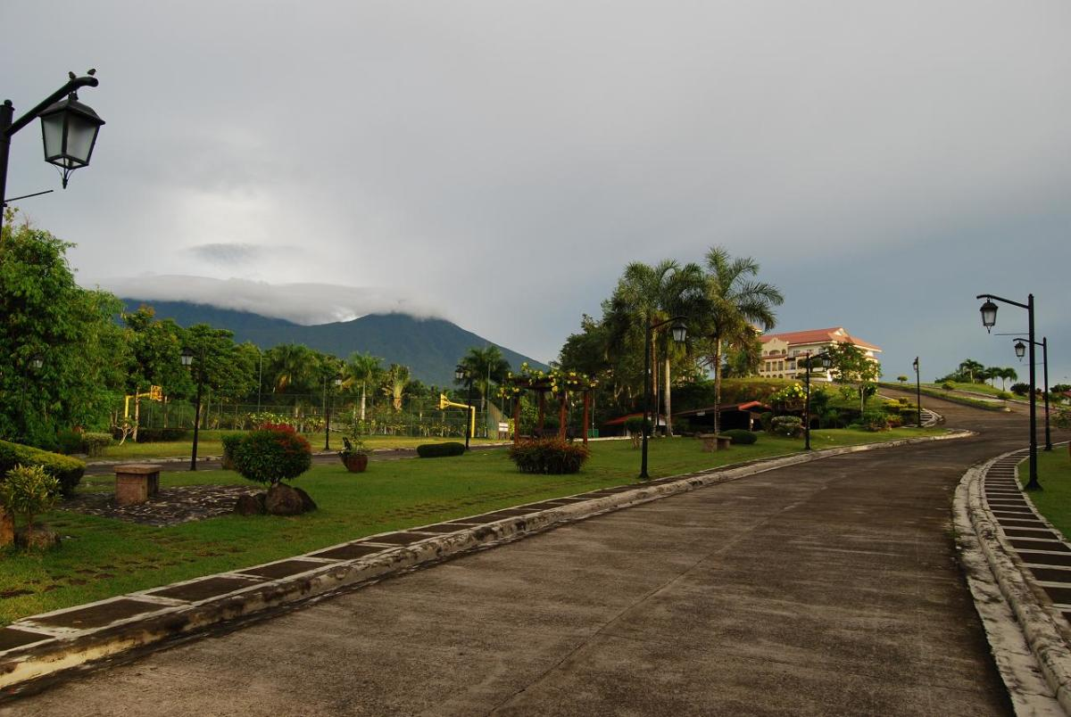 Review of Graceland Estates and Country Club in the Philippines