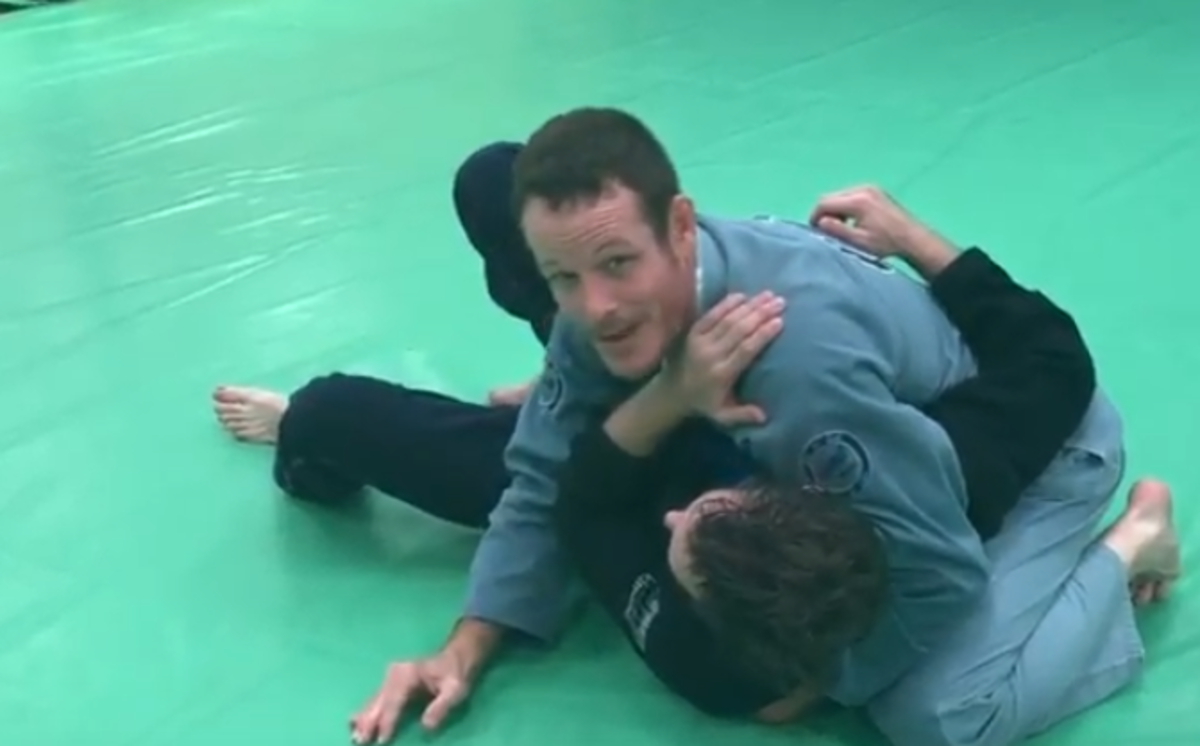 How to Use Shoulder Pressure in BJJ