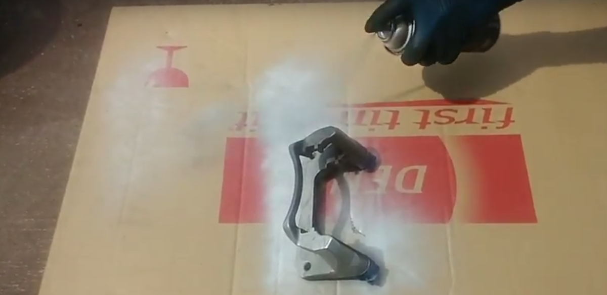 Spray-painting the calipers
