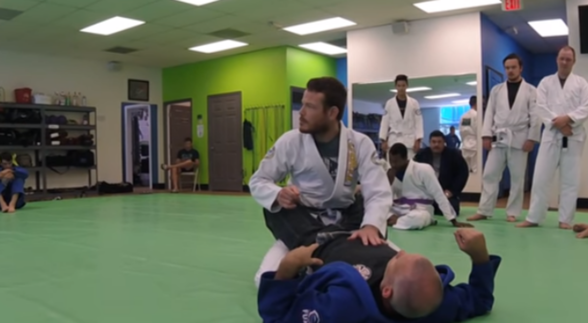 Maintaining Posture in Closed Guard