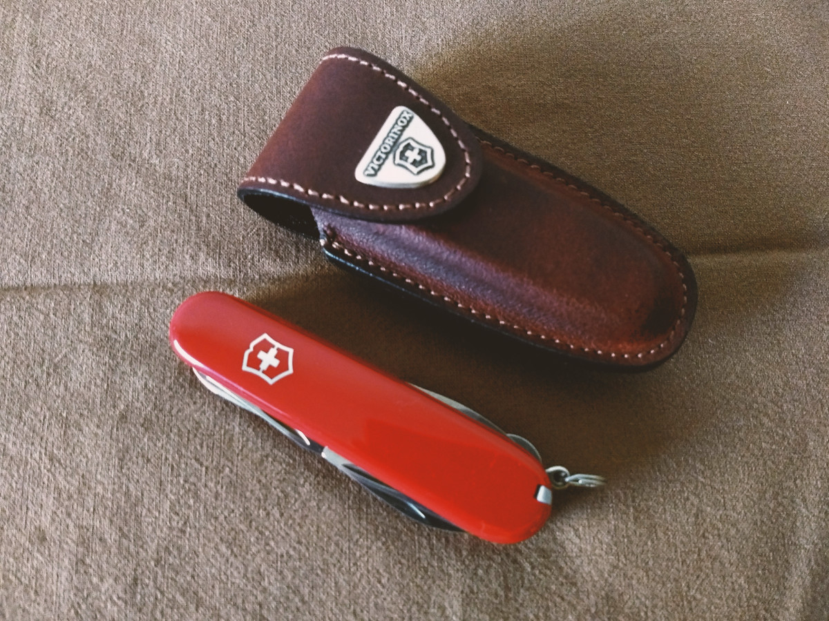 Victorinox Climber Review: The Perfect Gift You Can Get Yourself or Your Loved Ones
