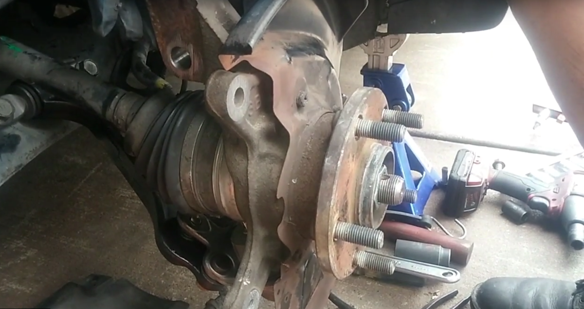 Lexus ES300 Front Strut, Control Arm, Ball Joint and Stabilizer Bar Link Replacement (With Videos)