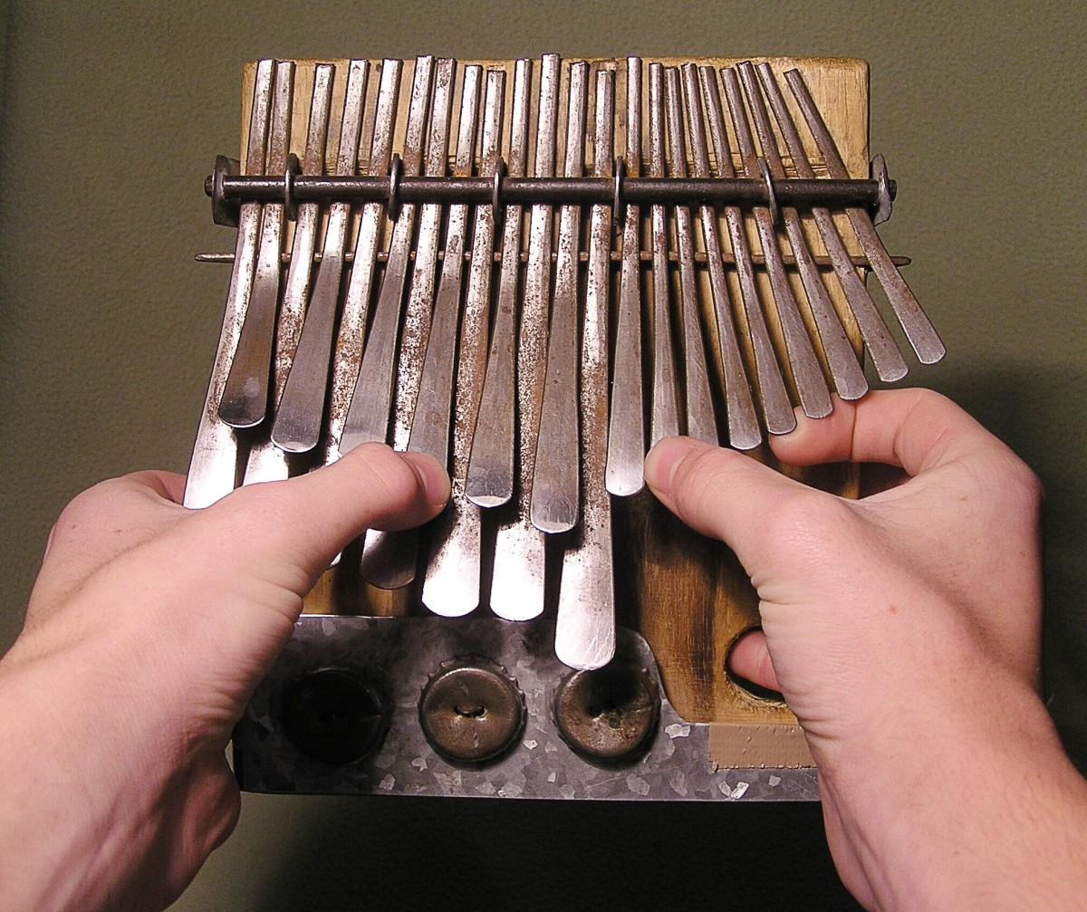 Holding an mbira