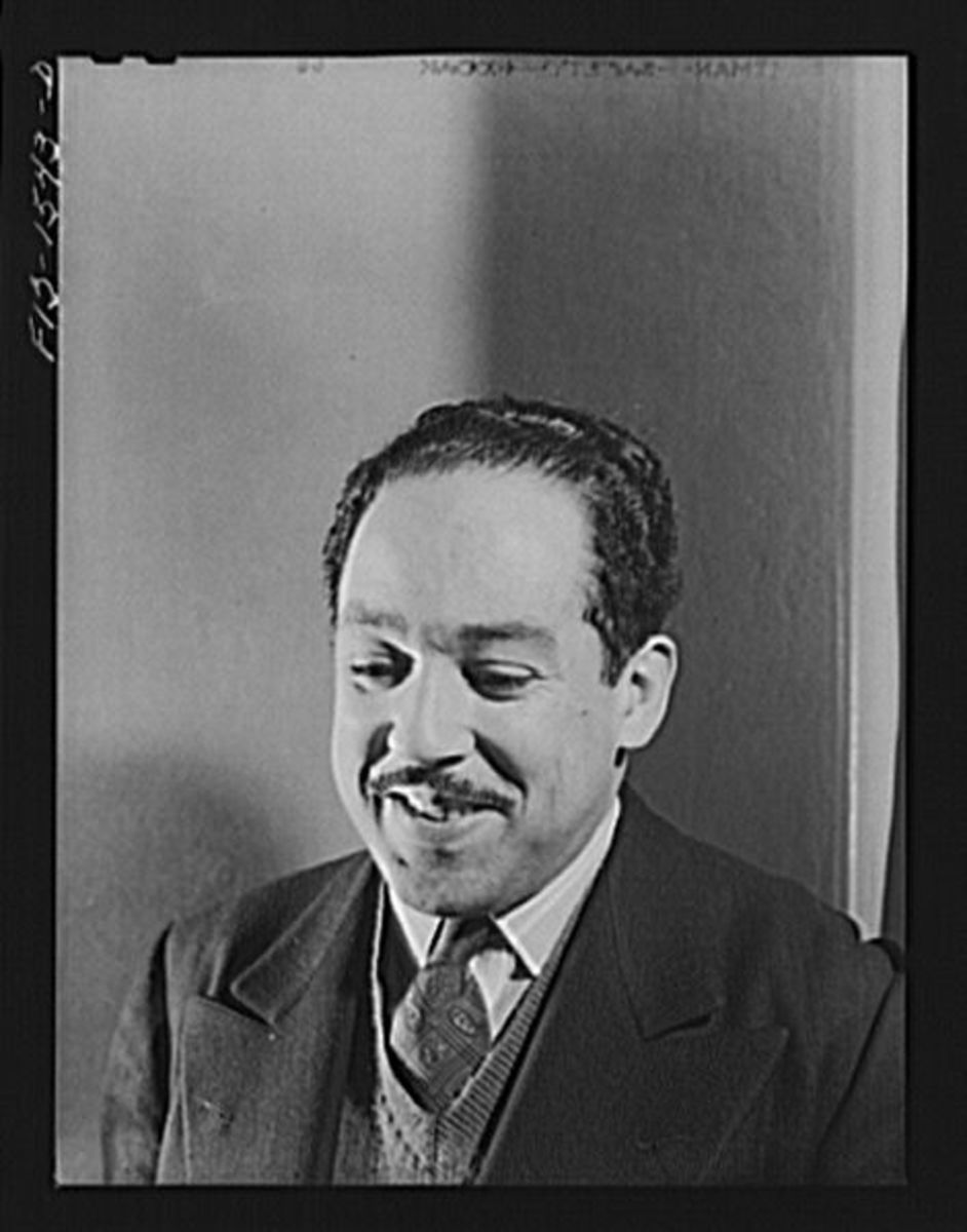 "Analysis of Poem ""I,Too"" by Langston Hughes"