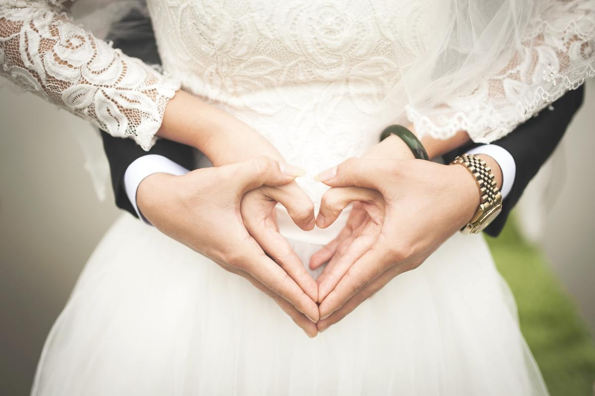 A Case for Not Waiting Between Marriage and Baby