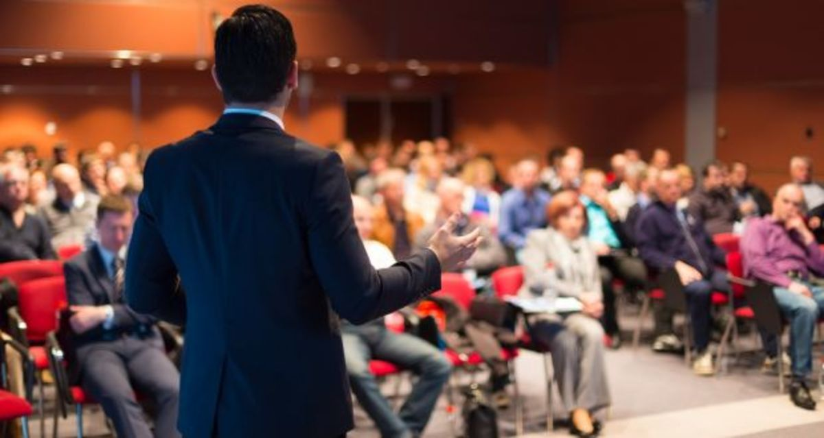 How to Improve Public Speaking With Virtual Reality Apps