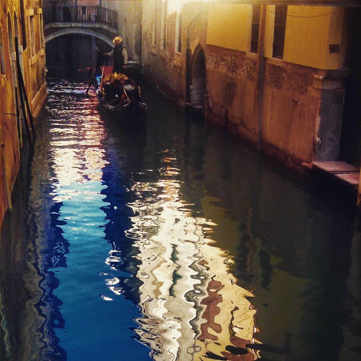 Your Classic Italian Vacation: A Gondola Ride in Venice