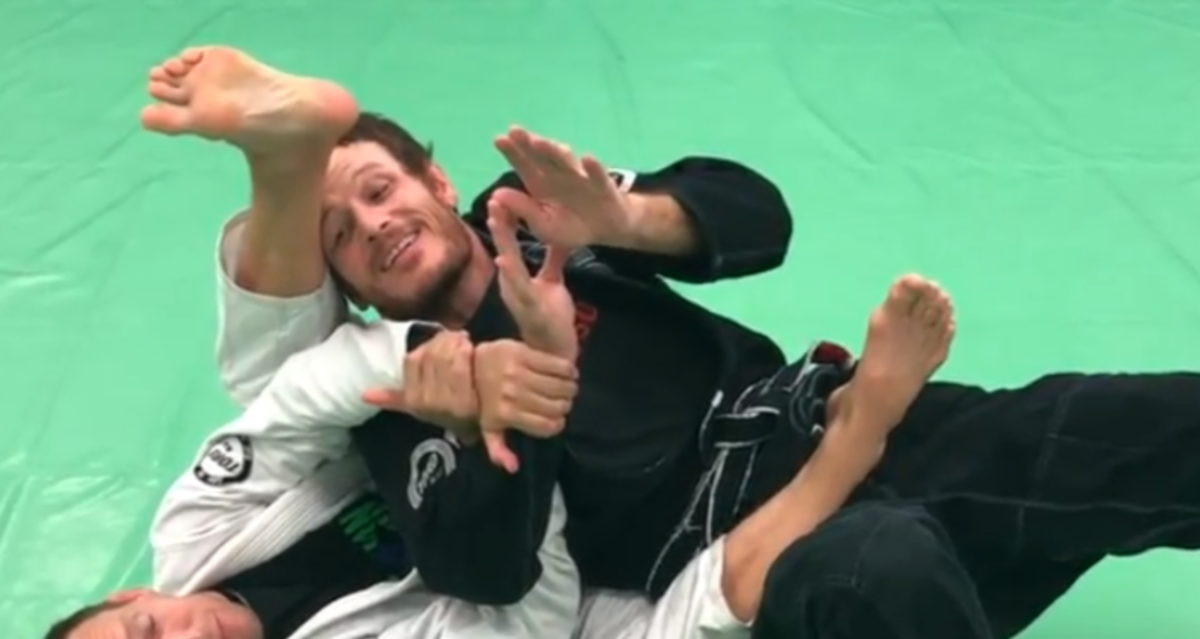 How to Defend the Armbar From the Back